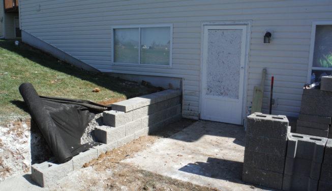 retaining wall build